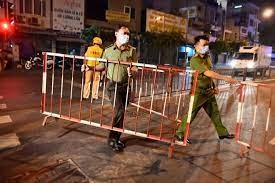 Thu Duc city put 3 residential areas on lockdown